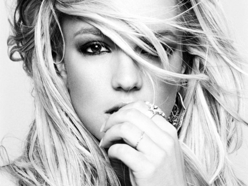 http://www.similarsong.com/sites/similarsong.com/files/Britney%20Spears.jpg